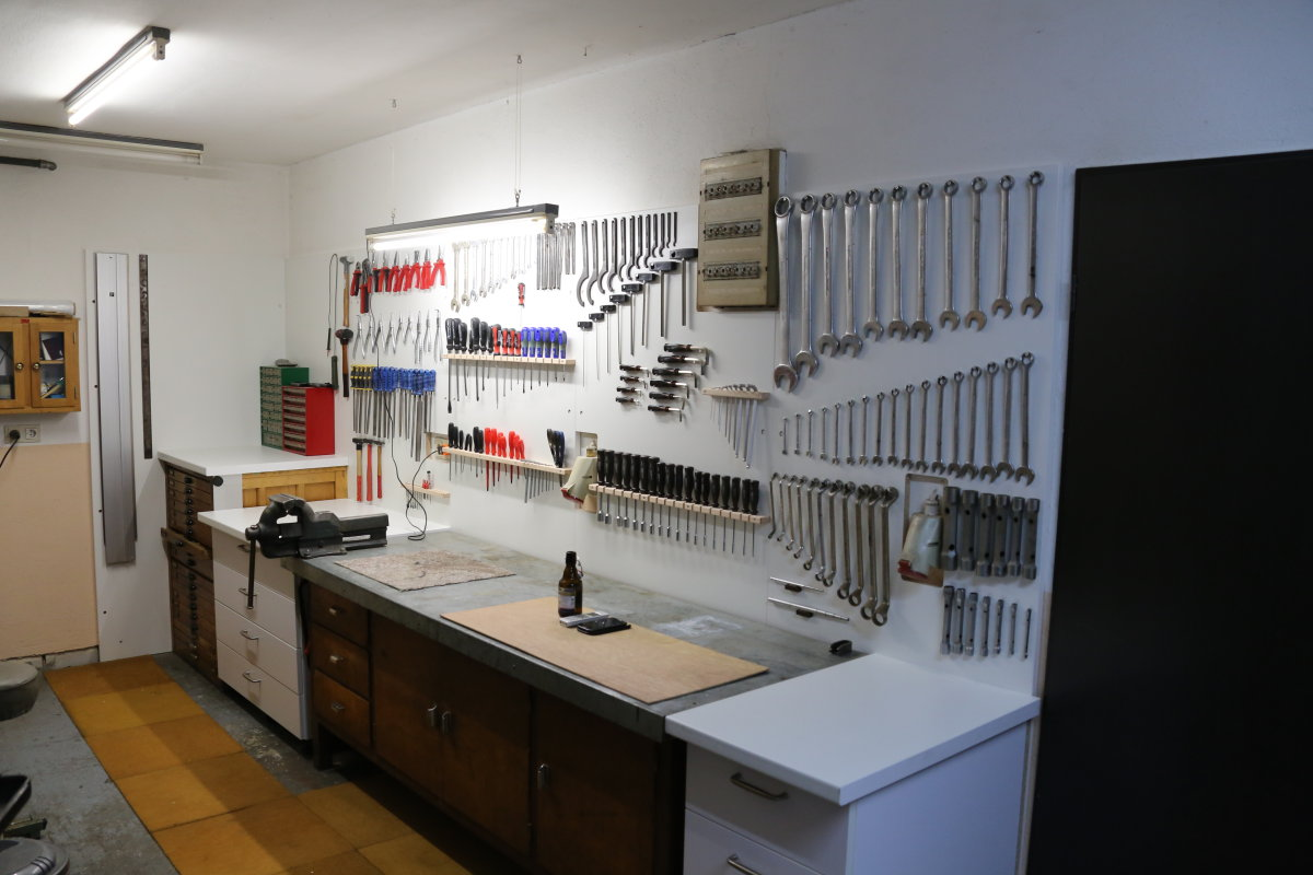 welchen bodenbelag f r die werkstatt seite 6 caferacer. Black Bedroom Furniture Sets. Home Design Ideas